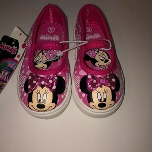 New Disney Minnie Mouse size 5 kids slip on shoes